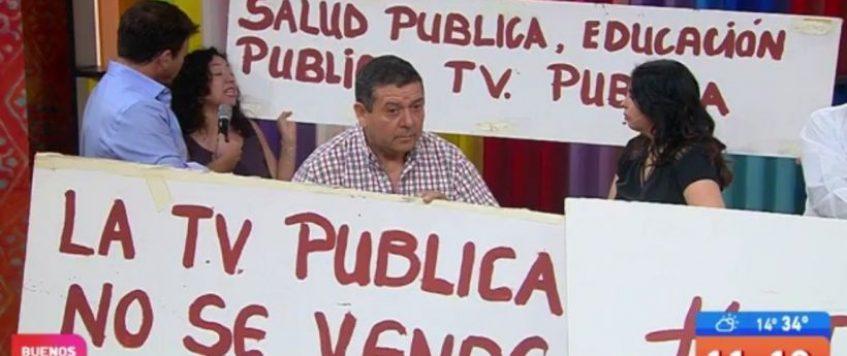 Con manifestaciones irrumpen en vivo el matinal de TVN